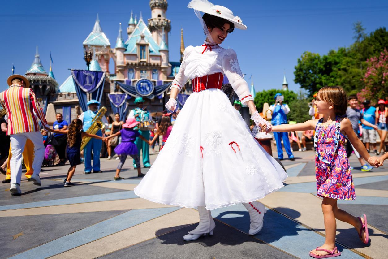 Paris & Disneyland Turu 4 Gece - Her Hafta hareket